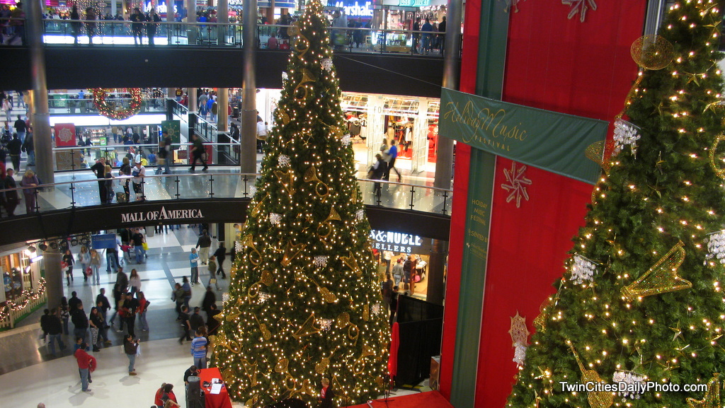a christmas tree for olivier - Mall Of America Christmas Decorations