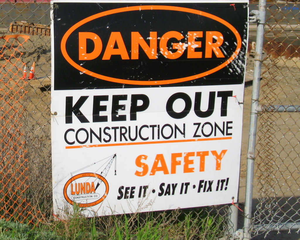 A sign found near the construction zone for the Wakota Bridge.