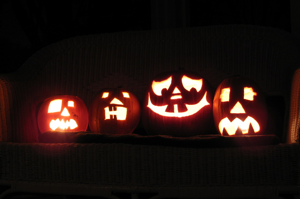Four unique pumpkin carvings for Halloween 2008