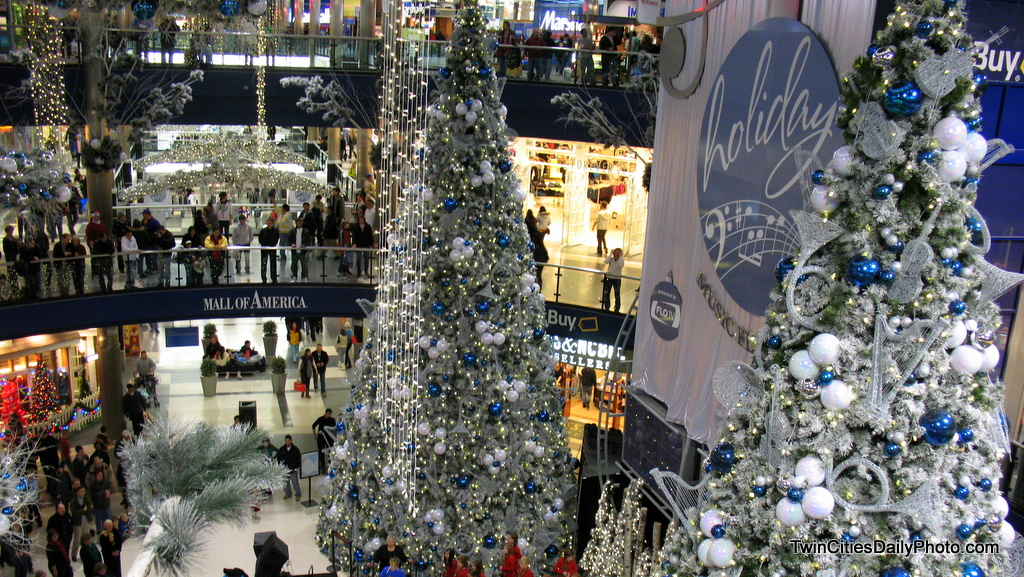 i only made one visit to the mall of america during the christmas holiday season one thing ive noticed is theyve changed all of their decorations - Mall Of America Christmas Decorations