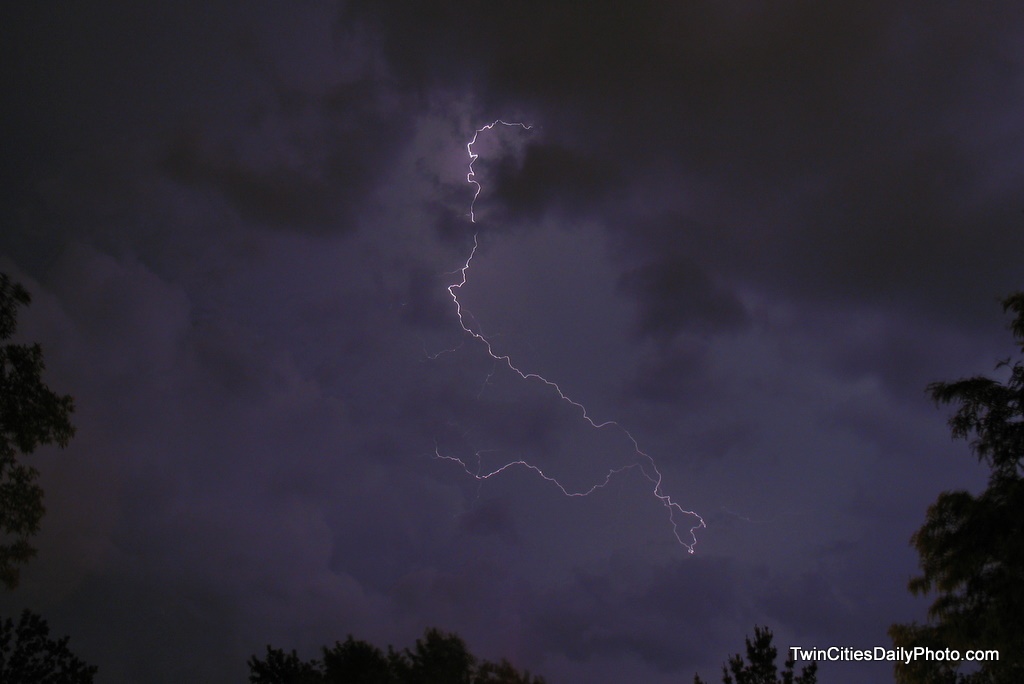 We had a great thunderstorm roll through the Twin Cities last evening. I hadn't realized there was so much lightning that went along with this storm before the rain hit.