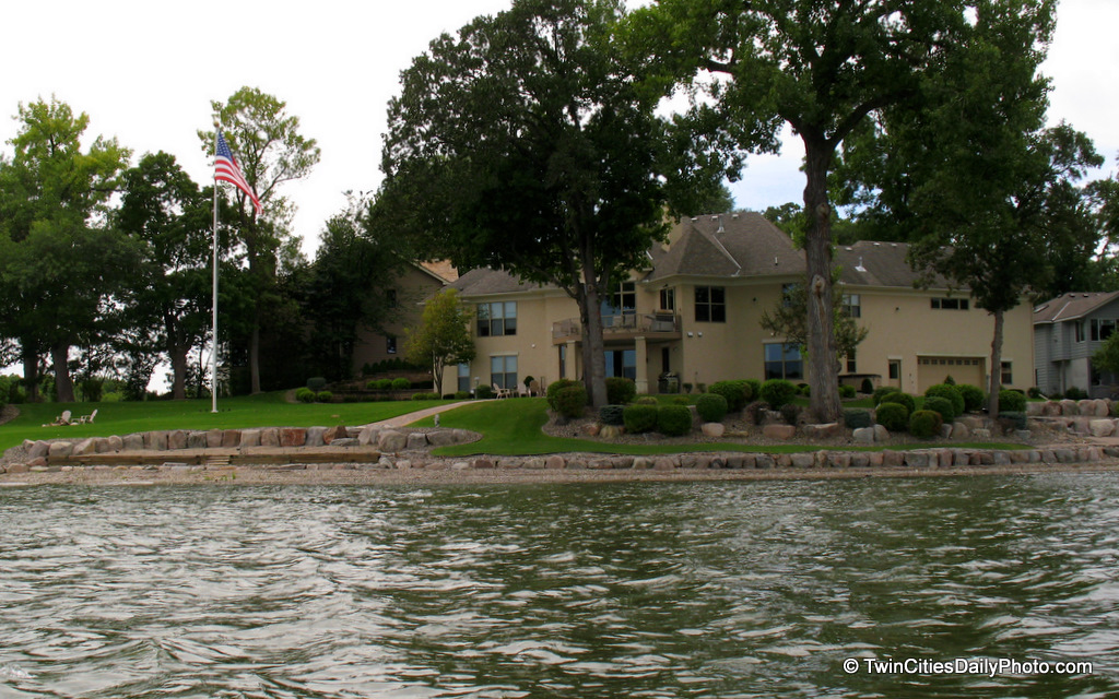 Another one of my favorite homes that I saw while on Prior Lake this past summer.