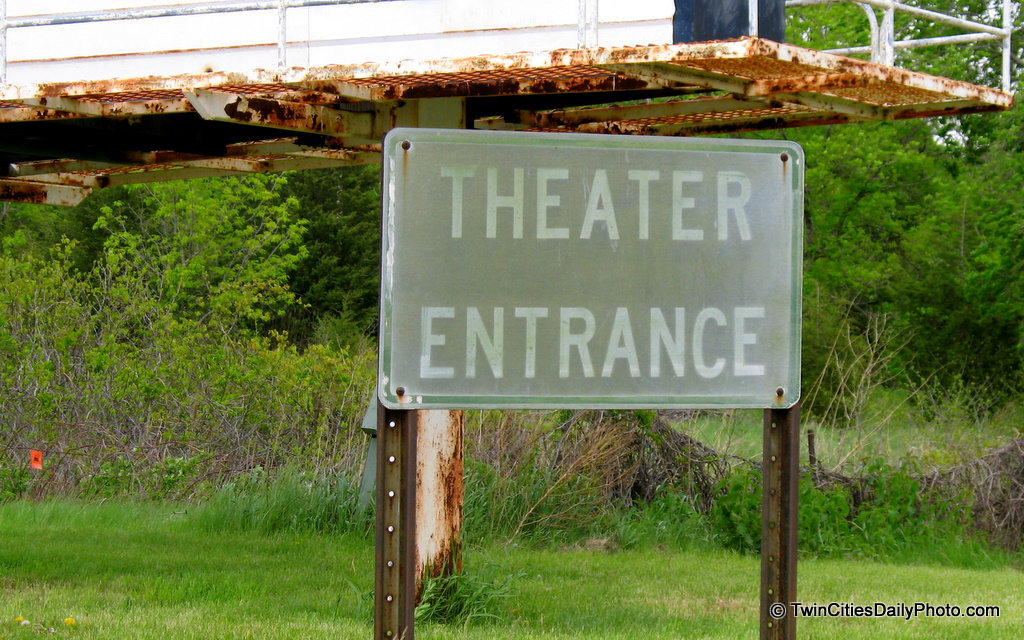 The entrance sign to the Cottage View Drive-In Theater.